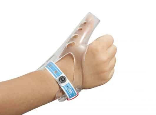 The best treatment kit for thumb sucking: TGuard AeroThumb!